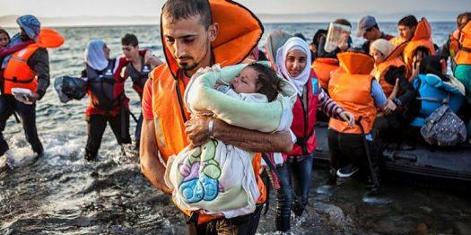 12.-Refugee-Crisis-Lesvos.-Fernando-Del-Berro.t5841ddfc.m800.x5c572104-750x375